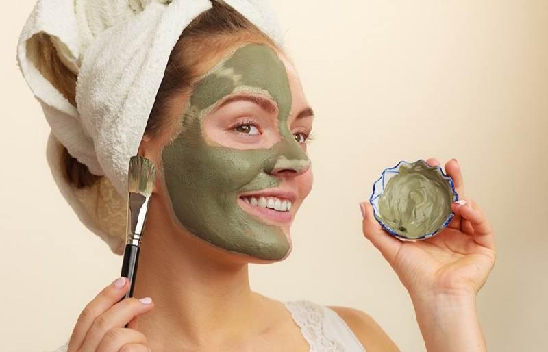 ماسک خاک رس برای لک پوست و چاقی صورت