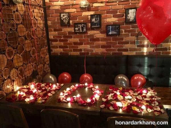 تزیین عاشقانه میز برای جشن دو نفره