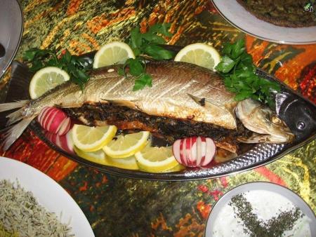 مراحل تهیه ماهی شکم پر