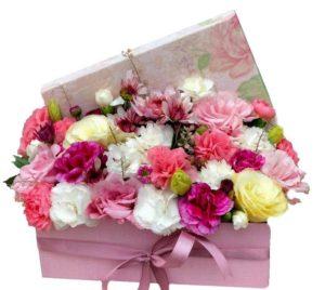 تزیین کادو با گل طبیعی زیبا