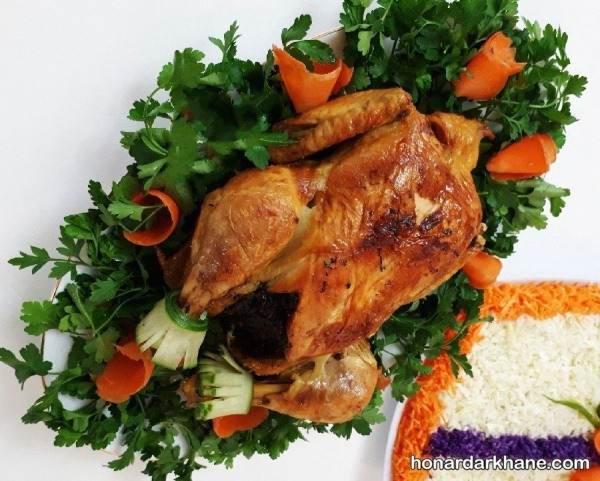 تزیین مرغ شکم پر
