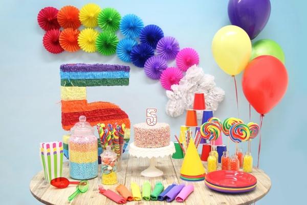 تزیین تولد با تم رنگین کمان