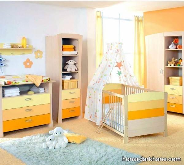 تزیین اتاق با عروسک برای نوزاد