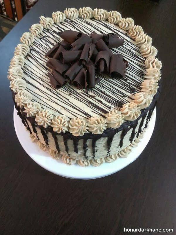 انواع زیبا سازی کیک با خامه و شکلات