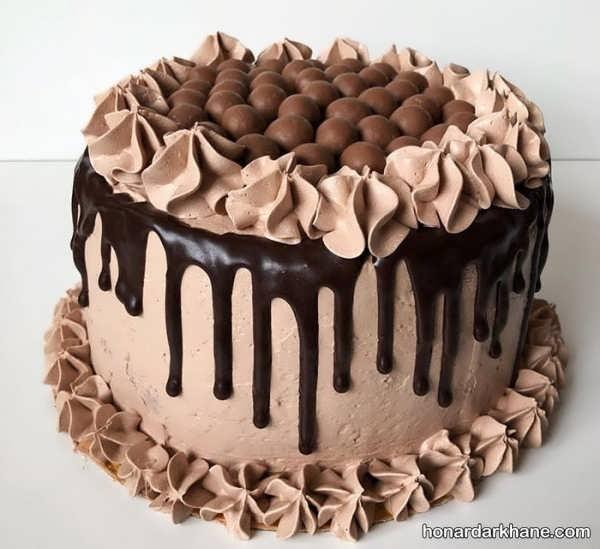 جالب ترین انواع کیک آرایی با خامه و شکلات