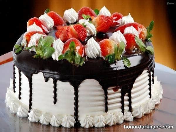 زیباترین انواع تزیین کیک با خامه و شکلات