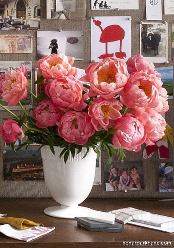 استفاده از گل های مصنوعی در زیبا کردن میز