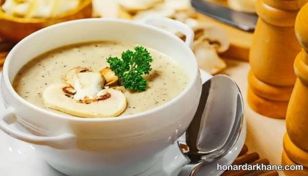 پخت سوپ قارچ به عنوان پیش غذایی سالم و مفید