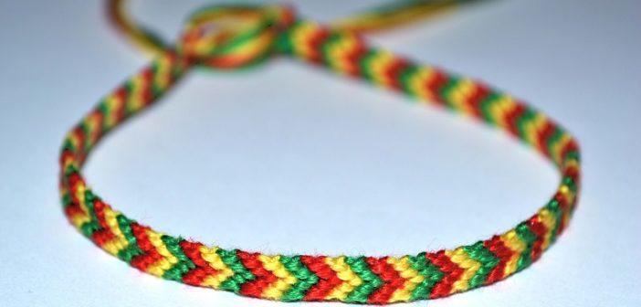 آموزش بافت دستبند با الگویی ساده