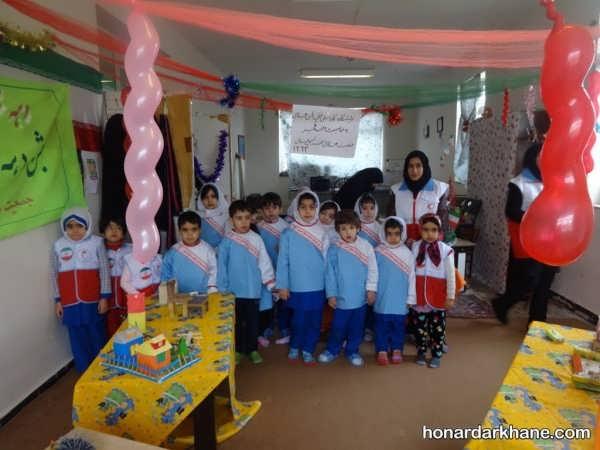 انواع آذین مدرسه برای جشن انقلاب