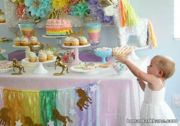 جشن تولد با زمینه اسب زیبا یونیکون