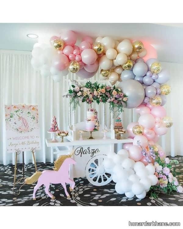 تولد پسرانه با زمینه اسب شاخدار