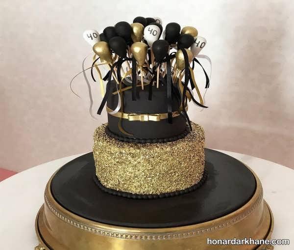 انواع محیط آرایی جشن تولد با تم طلایی و سیاه