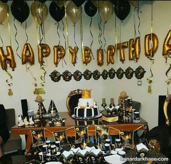 انواع تزئینات مراسم تولد با تم سیاه و طلایی