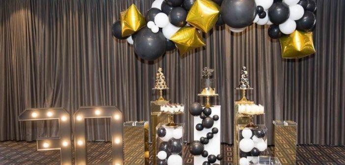 انواع تزئینات جشن تولد با تم تولد مشکی طلایی