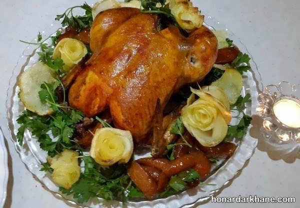 انواع تزیین مرغ شکم پر با سبزیجات