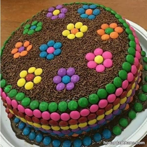 انواع کیک آرایی با داژه های شکلاتی