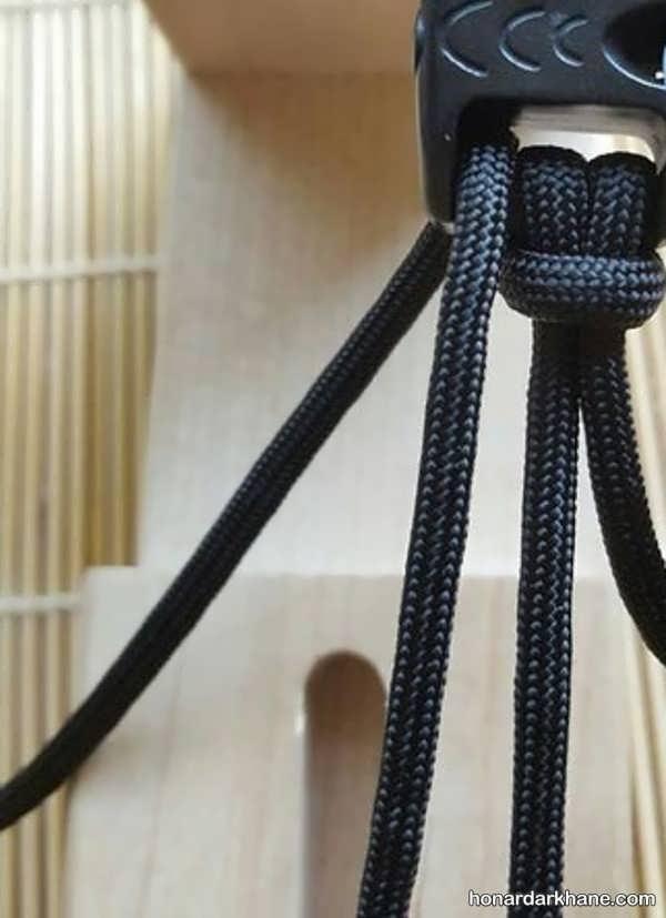 نحوه درست کردن دستبند با بند کفش به روشی ساده