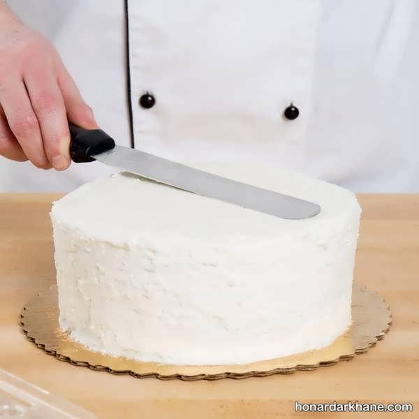 نحوه کاور کردن کیک با خامه