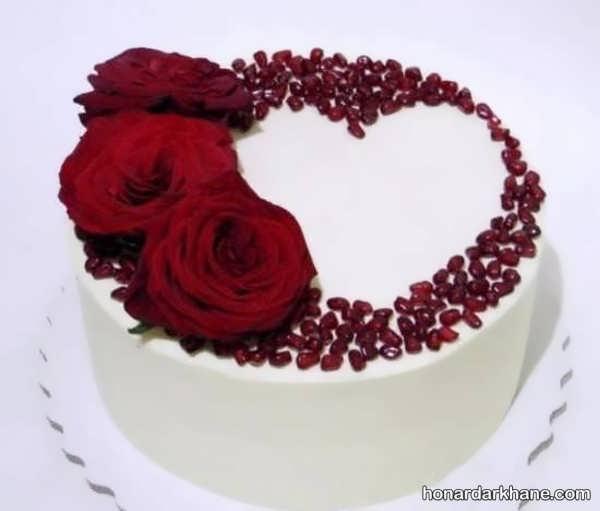 انواع زیبا سازی کیک با گل