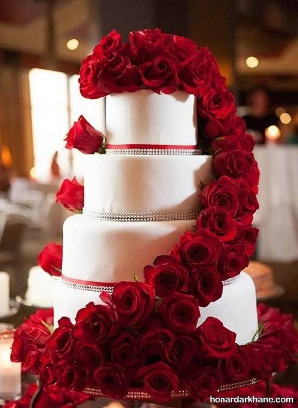 انواع سبک های شیک دیزاین کیک با گل