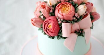 انواع تزیین زیبا و شیک کیک با گل