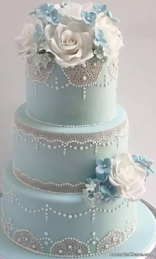 انواع زیبا سازی کیک با گل مصنوعی