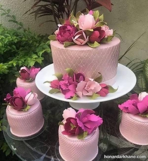 انواع دیزاین جدید و خاص کیک با گل رز
