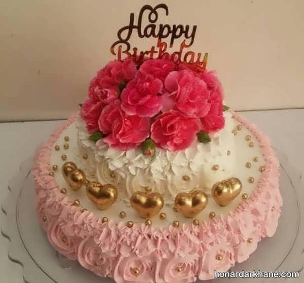 انواع دیزاین کیک ولنتاین با گل رز