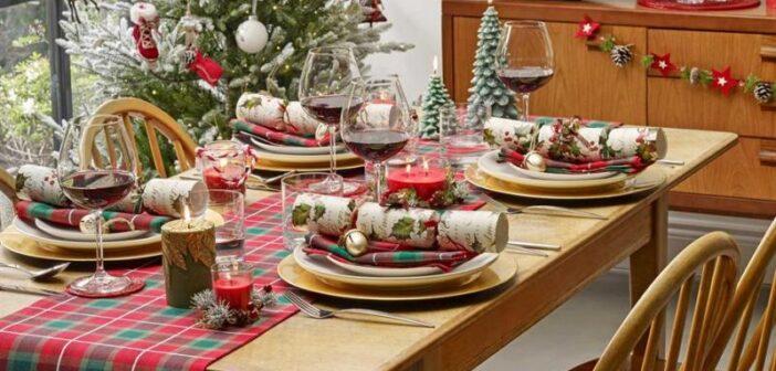 مدل های شیک و جذاب تزیین میز کریسمس
