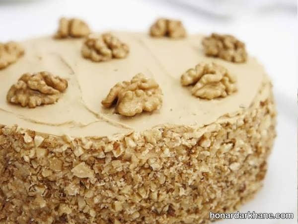 روش پخت کیک گردویی در خانه