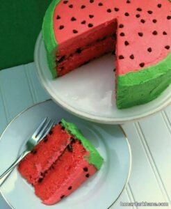 روش پخت کیک هندوانه ای برای شب یلدا