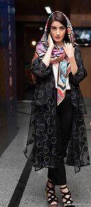 مدل های زیبا و خاص هماهنگ کردن لباس با مانتو مشکی
