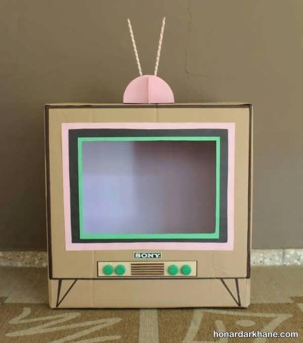 انواع هنرآفرینی با مقوا به شکل تلویزیون