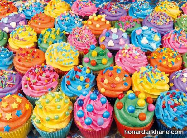 کیک های فنجانی رنگی