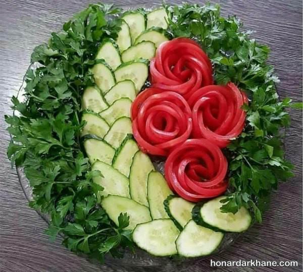تزیین سالاد با خیار و گوجه