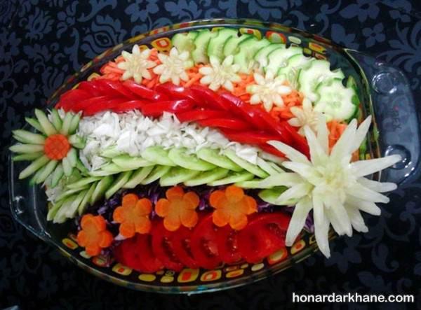 تزیین سالاد با خیار و هویج
