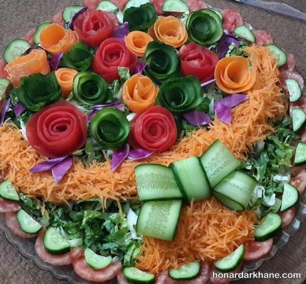 تزیین سالاد با گوجه و هویج
