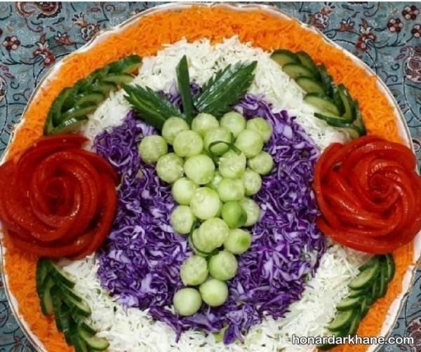 تزیین سالاد با گوجه و خیار